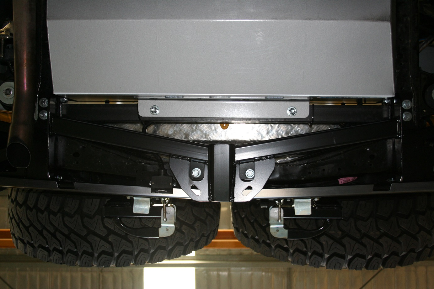 TLCFJCRUISERA_UNDER SIDE VIEW